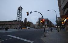 Cremen dos contenidors i dos furgonetes a Lleida