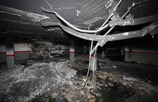 Graves desperfectos por el incendio en el parking de Alcarràs