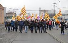 Treballadors de Sada van tallar ahir el trànsit al polígon industrial El Segre per protestar per l'ERO.