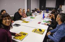 Reunión el pasado jueves del consejo de administración de Fira Tàrrega en una sala de Cal Trepat.