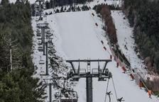 L'esquí preveu 60.000 forfets aquest pont i el telecadira d'Espot, a punt