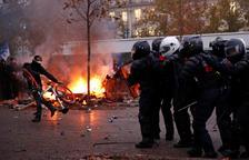 El carrer passa comptes amb Macron