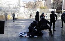 Els aldarulls a la manifestació antifeixista contra l'acte de SCC a Girona acaben amb tres identificats