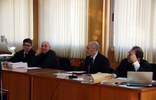 Juzgan a dos jefes de mossos acusados de no investigar la paliza a un leridano
