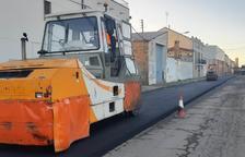 Obras para volver a pavimentar la carretera de El Poal