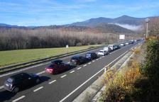 Retencions de fins a deu quilòmetres per accedir a Andorra