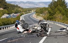 Un cotxe en sentit contrari causa una col·lisió amb dos morts a Alacant