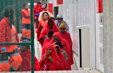 Llega a la isla de Alborán una patera con 73 migrantes, uno de ellos muerto