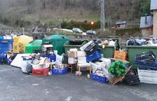 Aran fa una crida al civisme per evitar que els contenidors es desbordin