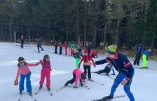 Els Pallars i l'Alt Urgell reprenen l'esquí escolar, amb 100 alumnes més