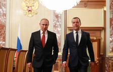 El govern rus dimiteix a l'anunciar Putin reformes per perpetuar-se