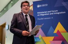 José Luis Escrivá, ministre d'Inclusió, Seguretat Social i Migracions, ahir, a París.
