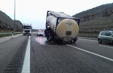 Cortado 4 horas un carril de la A-2 en la Segarra por un accidente