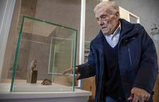 L'historiador Ramon Boleda, ahir al costat d'una de les peces que integren el nou museu.
