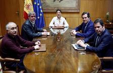Reunión de la ministra de Trabajo, Yolanda Díaz, ayer, con los agentes sociales.
