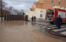 L'avinguda del riu Sió inunda de nou la residència d'Agramunt