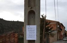 El consistorio ha colgado carteles informando de la medida.