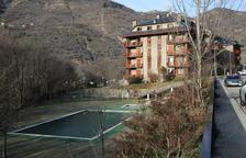 Sort investigará cuándo expiran las concesiones de dos piscinas