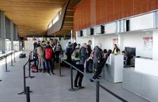 L'Aeroport d'Alguaire rep els primers esquiadors suecs d'aquest any amb destí Andorra i Baqueira-Beret