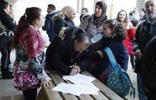 Recullen firmes perquè no tanqui l'escola Àngel Guimerà de Balaguer