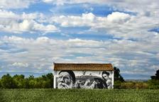 Penelles adapta un local per atendre els turistes atrets per l'art mural