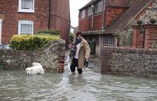 El temporal Ciara, que azota a media Europa, deja al menos 5 muertos