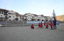 Sis clubs federats de Lleida continuen jugant en camps de terra