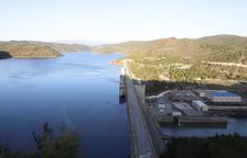 Imatge de la presa del pantà de Rialb, que proveeix el canal d'Urgell i el Segarra-Garrigues.