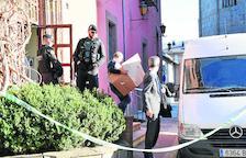Agentes de la Guardia Civil durante el registro en el ayuntamiento del pasado mes de marzo.