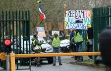 EEUU insiste en que Julian Assange filtró documentos a terroristas
