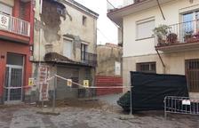 Dos municipis de Lleida tanquen carrers pel mal estat de diverses cases