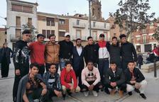El conseller Chakir el Homrani es va reunir ahir amb joves immigrants que fan tasques de voluntariat a Montgai.