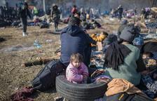 Erdogan redobla el pols a Brussel·les i empeny 76.000 migrants a la UE