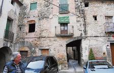 El Jussà pide ayuda para los barrios antiguos, con hasta el 70% de casas vacías y en ruinas