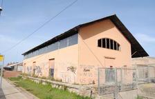 Mollerussa tanca el refugi temporal d'animals per amiant a l'edifici