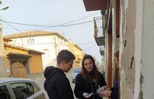Jóvenes de El Poal, Cervera y Maldà hacen la compra a los mayores