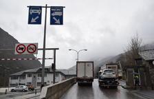 Trànsit normal de camions a Andorra, que no tanca fronteres