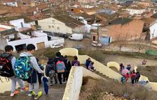 Almacelles renueva el acceso a la escuela Antònia Simó