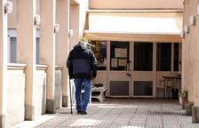 Àger ordena cerrar empresas tras llegar a 16 positivos en la residencia, 14 de ellos ancianos