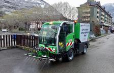 Vielha alquila una máquina para desinfectar calles