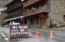 Els veïns d'un municipi del Pirineu veten l'entrada als forans pel virus