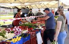 Fondarella recupera el mercat setmanal amb el 10% de les parades habituals