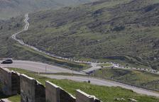 Cues a Andorra a l'obrir la frontera amb França