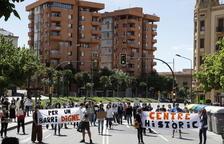 Uns cinquanta veïns del Centre Històric de Lleida es manifesten per exigir la dignificació del barri