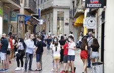 Els lleidatans tornen a omplir les botigues de l'Eix Comercial