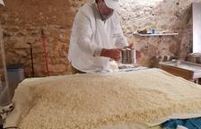 Deu mil botelles a l'any de sake elaborat al Pirineu de Lleida