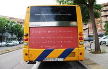 Un dels missatges poètics de Titilamel en un bus de Lleida.