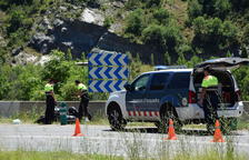 Muere un motorista tras colisionar con un turismo en El Pont de Bar