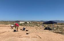 Excavaciones arqueológicas ayer en el yacimiento andalusí del Pla d'Almatà de Balaguer.