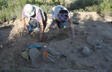 Una intervenció arqueològica permet recuperar tres soldats de la Guerra Civil al Cogul